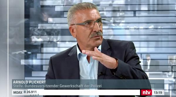 'Die Ok ist auch bei uns zu Hause', sagte GdP-Vize Arnold Plickert im n-tv-Studio-Gespräch. Foto: Screenshot n-tv.de