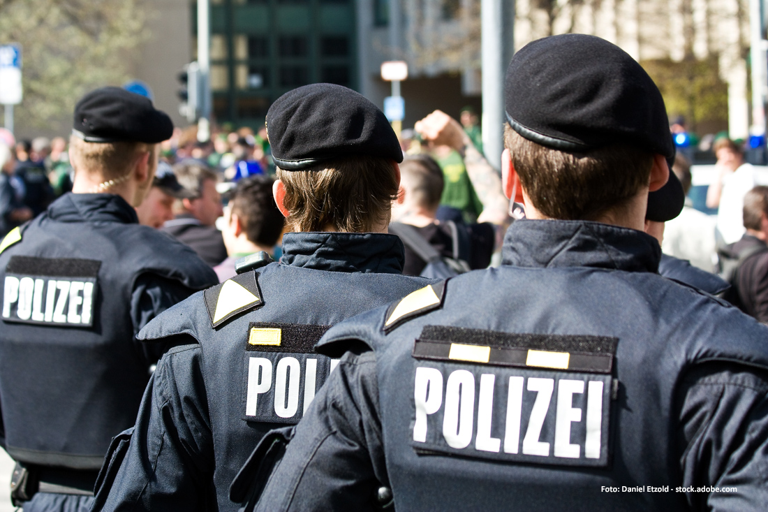 Polizisten zusammenleben mit einem Unterschied zwischen