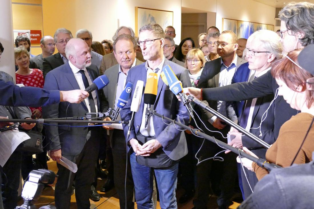GdP-Bundesvorsitzender Oliver Malchow bewertet das Verhandlungsergebnis aus Sicht seiner Organisation. Foto: Zielasko