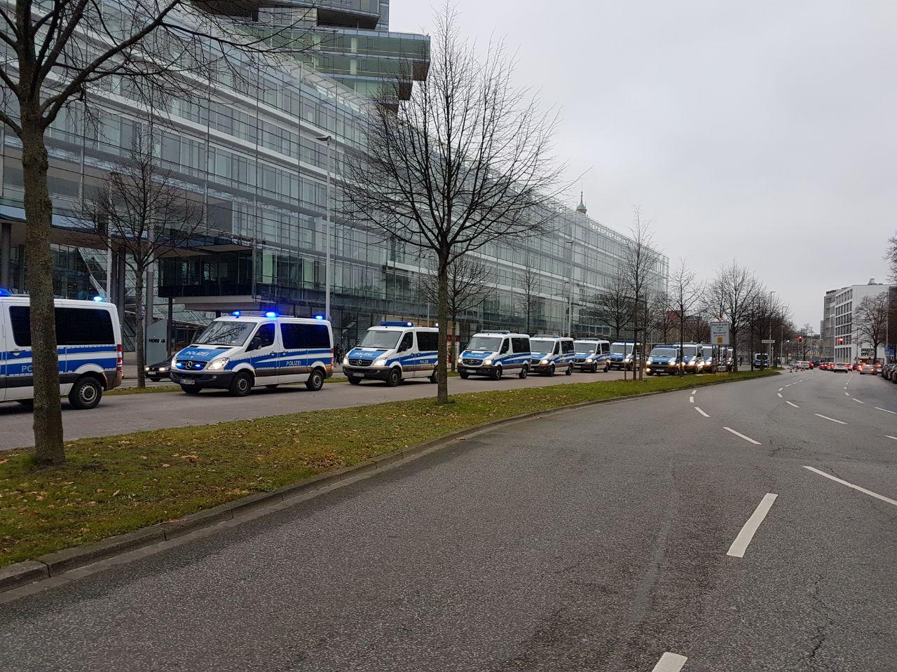 Grüße Aus Berlin Englisch einsatzbetreuung wird dankbar angenommen gewerkschaft der polizei